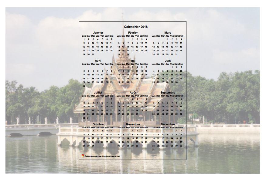 Calendrier 2018 annuel à imprimer, format paysage, une ligne par trimestre, incrusté au centre d'une photo
